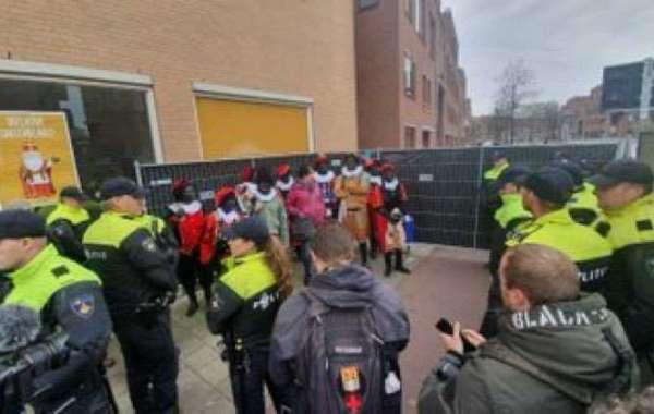 De dag dat Zwarte Piet gearresteerd werd, voor het uitdelen van Pepernoten