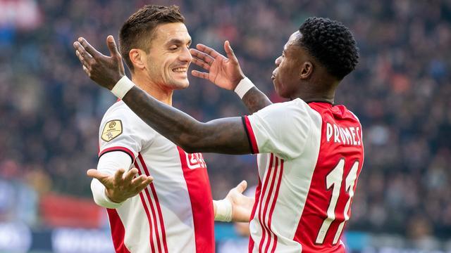 Koploper Ajax overklast FC Utrecht en boekt zevende competitiezege op rij | NU - Het laatste nieuws het eerst op NU.nl