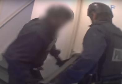 Video: Politiewerk volgt arrestatieteam, onderzoek naar illegale prostitutie en drugshandel - Boevennieuws.pro