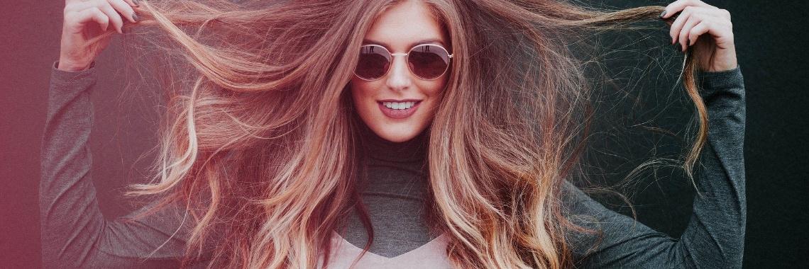Geen Shampoo & Geen crèmespoeling maar... Glijmiddel! | WinterHaar | GlijmiddelVoorJeHaar | GeenShampoo | GeenCremespoeling | GeenConditioner | Glijmiddel | Haar | Vrouw | Slaapkamer | PluizigHaar | Pluizig | Schaafwonden | Schuurwonden | SchraleHuid | Siliconenbasis | Waterbasis | Uitdaging | VerzorgJeHaar | HaarVerzorging