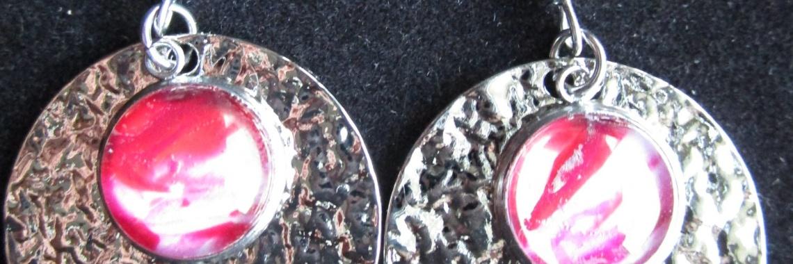Nieuwe oorbellen en hangers, werkjes van de dag 2-2-2020 | encausticart | urbancommunitystore | handmade | pendants | gift | kado | valentijnsdag | kado
