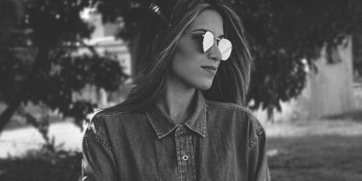 Blog--> Nadelen van een zonnebril (real live in dark mode)