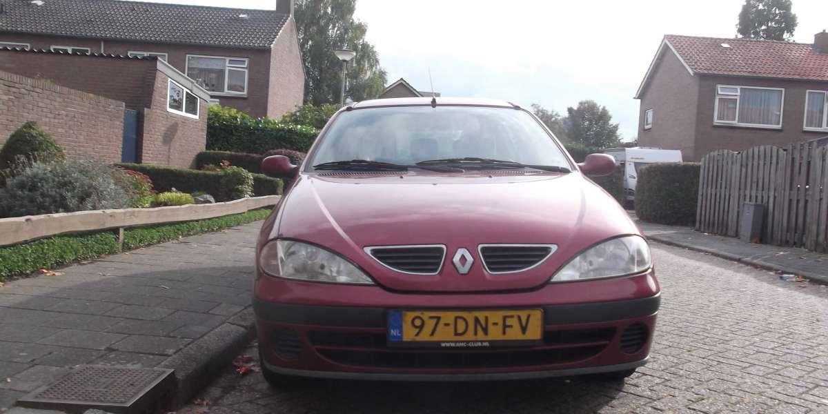 Belvenissen met auto's Renault Megane