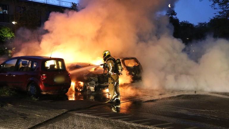 Meerdere autobranden in Rijswijk en Den Haag, politie gaat uit van brandstichting - Omroep West