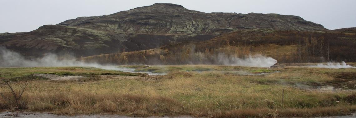 Geysir, fossen en de weg naar de elfenvallei – Marjolein schrijft over …