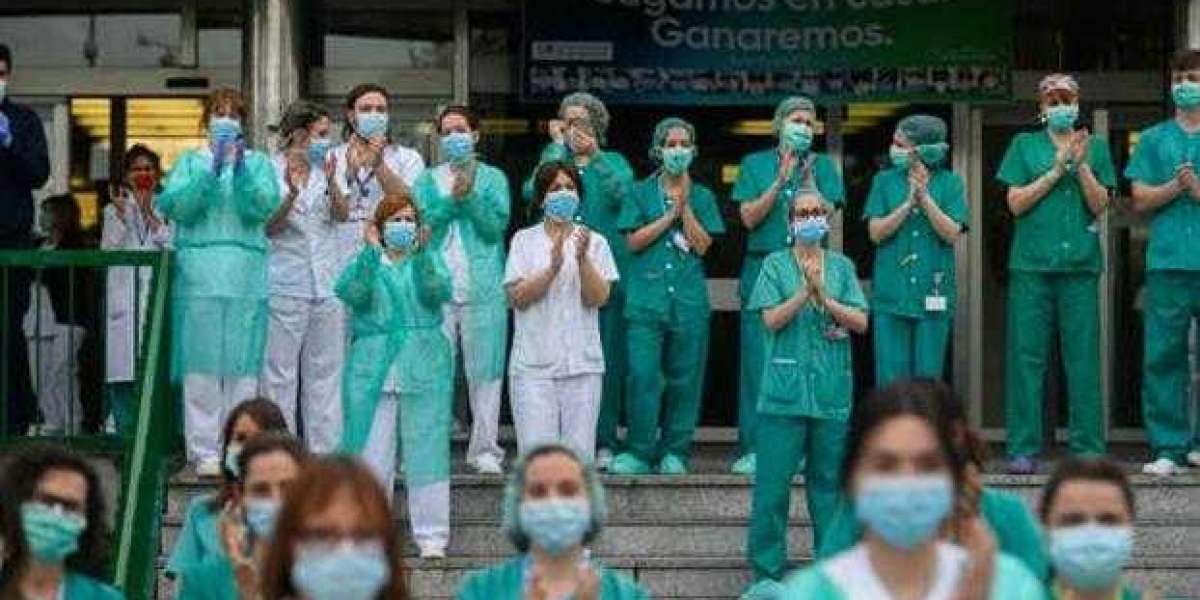 Onzichtbare zorg: de verpleegsters achter  covid-19