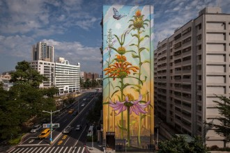 Mona Caron en haar prachtige floraliën murals - Thalmaray.co