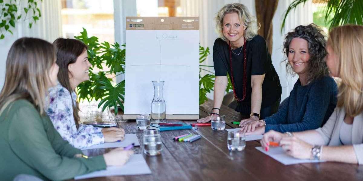 Onderneemster Ellen Kuit opent deuren klantrelatiebedrijf i-Connect