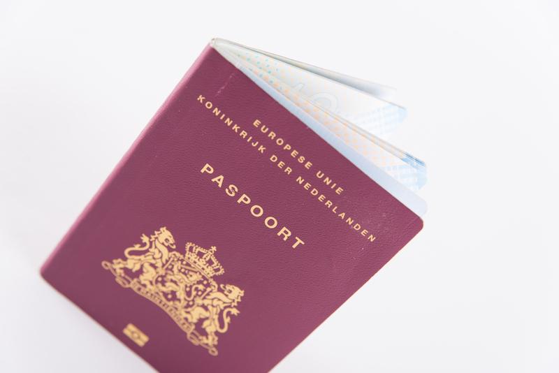 QR-code gaat burgerservicenummer vervangen op paspoort en id-kaart - Digitale Overheid